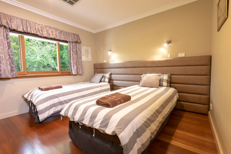 Room3 single